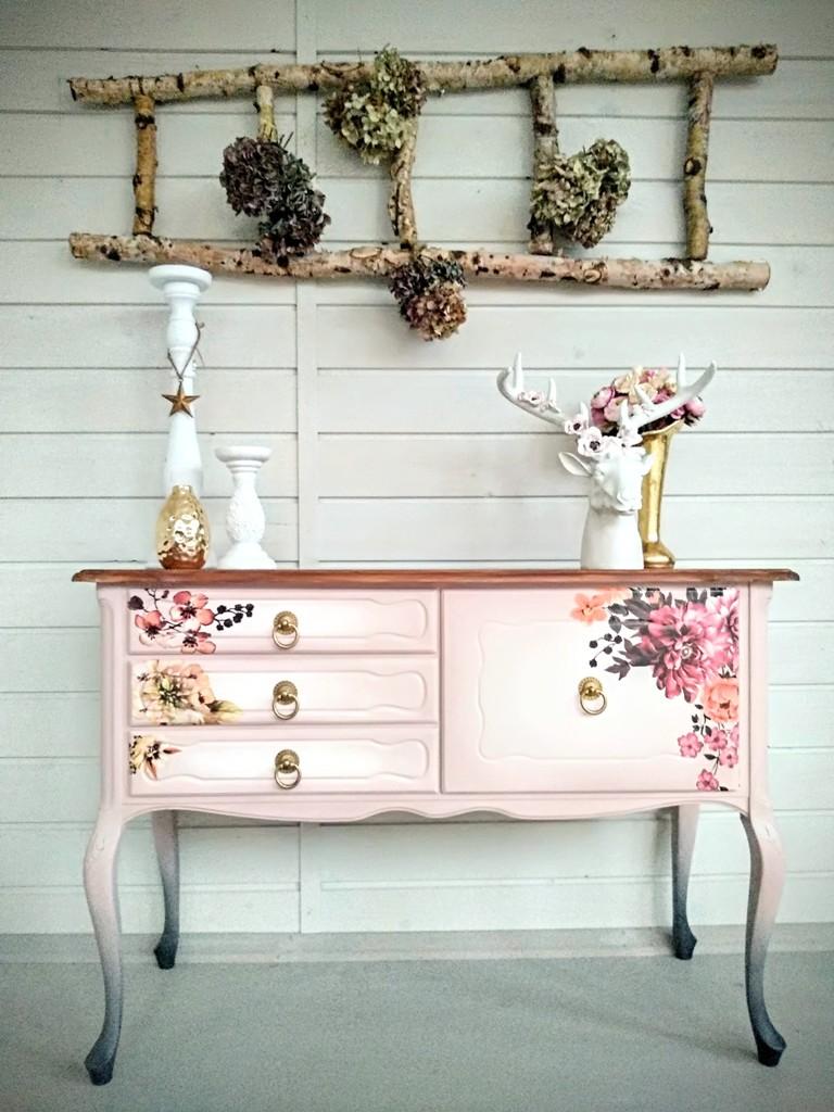 Rózsaszín virágos álmodozás